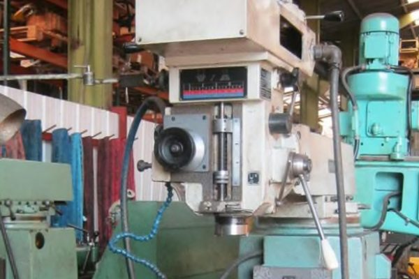 TOS FNK25A Milling Machine